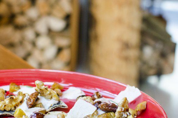 Reisblätter gefüllt mit Bratapfeltopfen, glasierten Maroni und verschiedenen Nüssen