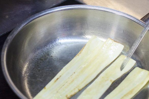 Hirschkalbsschnitzel mit Pastinaken und Kohlsprossen