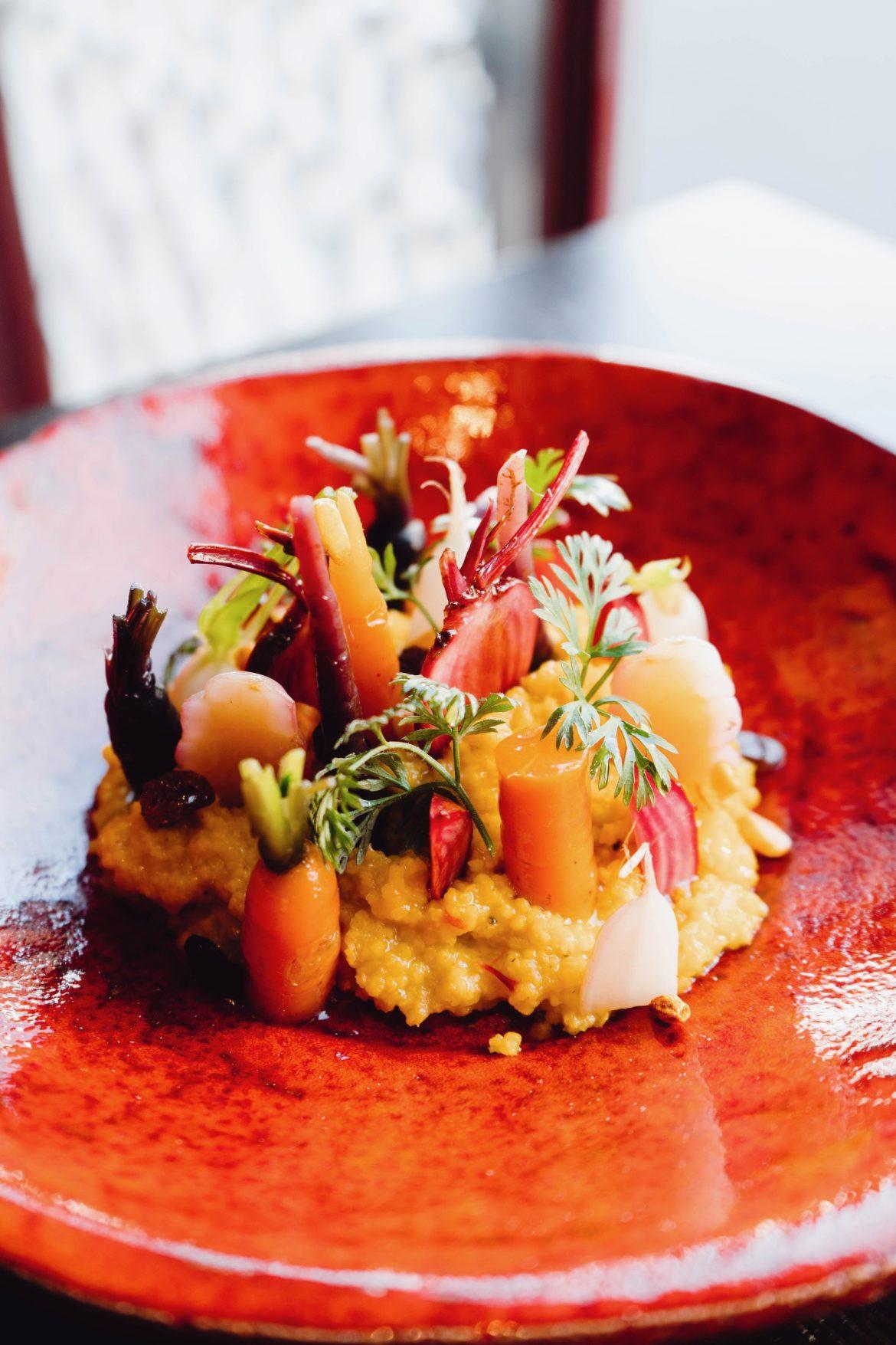 Cremige Hirse mit Rüben, Karotten und Safran