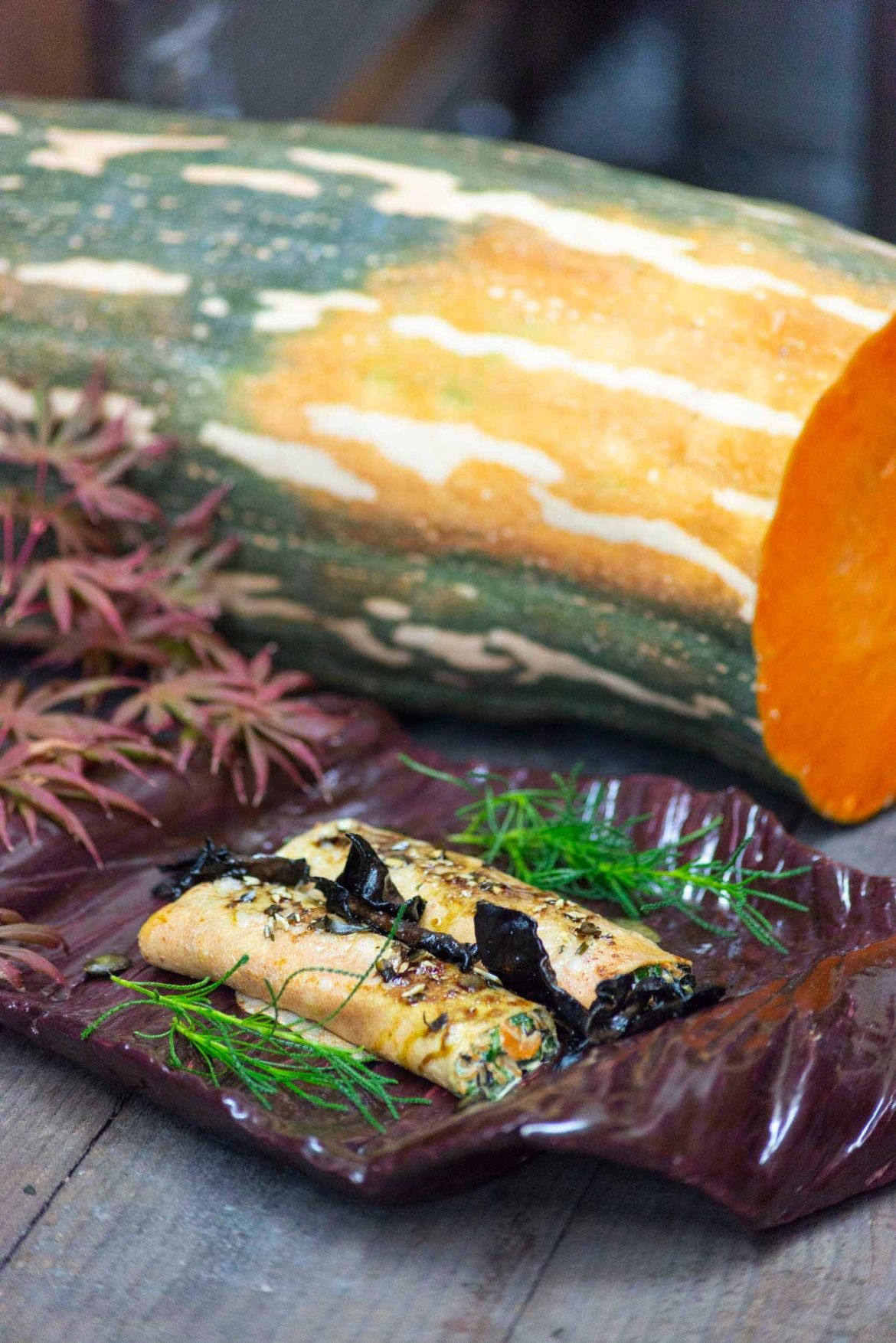 Dinkelcrepes gefüllt mit Kürbis, Spinat und Herbsttrompeten - Essen Lieben